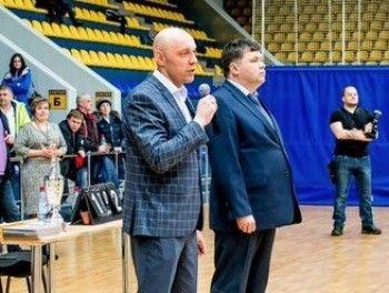 В Нижнем Тагиле впервые встретились лучшие баскетболисты уральских предприятий ЕВРАЗа