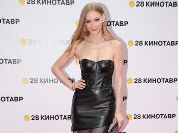 Светлана Ходченкова, Дмитрий Дюжев и другие популярные актёры стали заслуженными артистами России