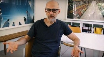 Музыкант Moby продаёт свою коллекцию драм-машин ради благотворительности