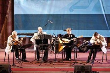 The Beatles на балалайке. Участники Приваловского музыкального форума приехали удивлять тагильчан