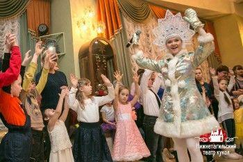 В новогоднем представлении Нижнетагильского театра кукол приняли участие настоящие полицейские