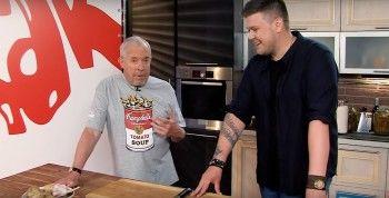 Екатеринбуржец Кирилл Нечаев приготовил «омские» бутерброды вместе с Андреем Макаревичем в шоу «Смак»