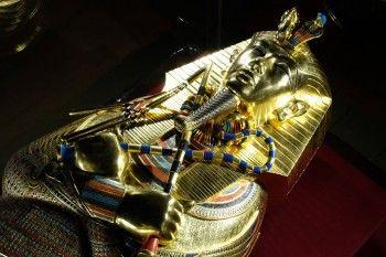 В Екатеринбург привезли сокровища гробницы Тутанхамона