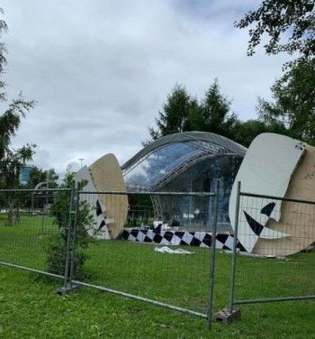 Екатеринбург украсят огромные скульптуры из цветов и деревьев британского архитектора