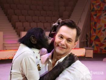 Шимпанзе-акробаты, умные попугаи и воздушные номера из Книги рекордов Гиннесса. Марица и Дан Запашные привезли в Нижний Тагил зрелищное шоу