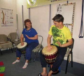 Музей искусств приглашает тагильчан научиться игре на африканских барабанах