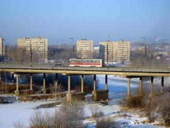 Информационную табличку у моста на Космонавтов сломали спустя неделю после установки