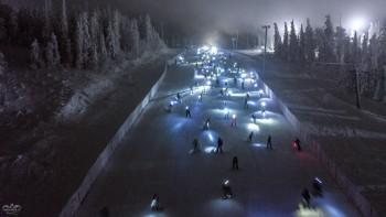 Более 300 лыжников приняли участие в зрелищной акции «Лавина» на Белой (ВИДЕО)