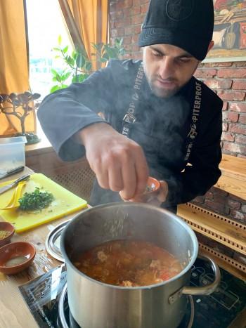 Директор ресторана «Хачапури тётушки Марико» научил читателей «Афиши МС» готовить одно из самых простых блюд грузинской кухни