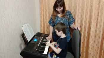 Изолированные в Тагиле. Пианистка Нижнетагильской филармонии рассказала, как совмещает роль преподавателя для своих студентов и детей-школьников