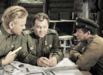 """«В бой идут одни """"старики""""» стал самым любимым фильмом о войне у россиян"""
