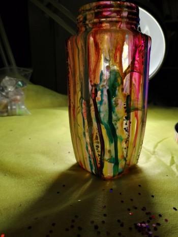 Мастер-класс от тагильской художницы: превращаем банку из-под кофе в яркую подставку для карандашей