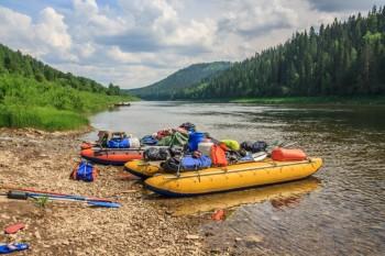 На реке Чусовой разрешены семейные сплавы и походы для небольших групп туристов