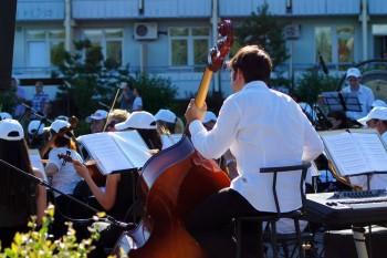 Проведение концертов на открытом воздухе могут разрешить уже в  июле