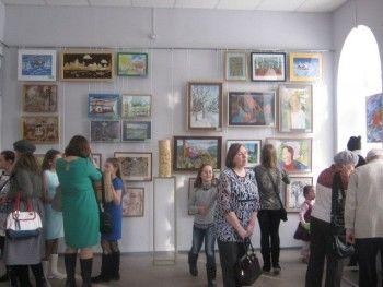 Маленькие художники признаются в любви к театру в музее искусств