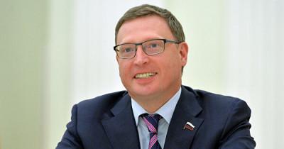 Переболевший коронавирусом губернатор Омской области отдал медикам часть машин правительства