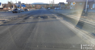 «Тут же строим и калечим!» Жители Черноисточинска возмущены состоянием дорожного полотна после недавнего ремонта