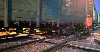 Под Нижним Тагилом грузовые вагоны сошли с рельсов