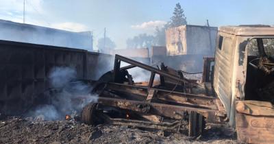 В Нижнем Тагиле из-за поджигателей пуха сгорели «Газель», «Волга» и гараж