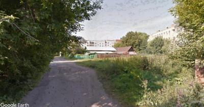 Прокуратура через суд обязала мэрию Нижнего Тагила обустроить тротуар возле школы № 23