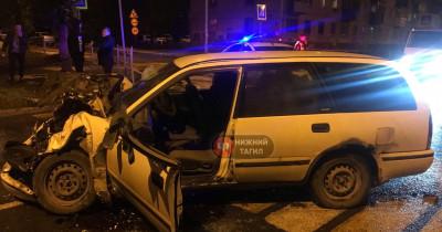 В Нижнем Тагиле пьяный водитель, уходя от полицейской погони, устроил ДТП (ВИДЕО)