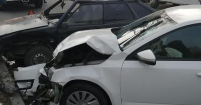 В Нижнем Тагиле пожилой водитель устроил серьёзное ДТП на Вагонке