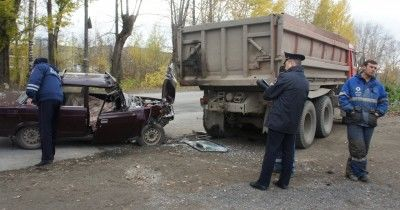 В Нижнем Тагиле в ДТП с КамАЗом погиб мужчина