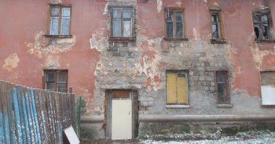 Прокуратура через суд заставила мэрию Нижнего Тагила расселить и снести аварийный дом в посёлке Сухоложский