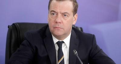 Медведев: Россияне должны готовиться к переквалификации из-за роботизации труда