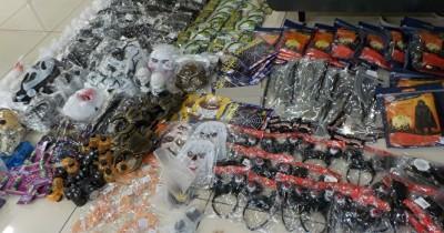Таможенники Кольцово не дали вывезти из России 60 килограммов костюмов для Хэллоуина
