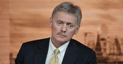 Песков признал нехватку койко-мест и медоборудования в регионах
