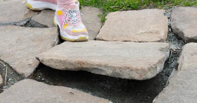 Мэрия Нижнего Тагила обещает восстановить разрушающуюся на Лисьей горе каменную лестницу этим летом