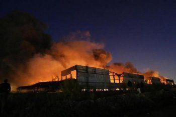 Пожар в центре Нижнего Тагила спровоцировал огромные пробки (ВИДЕО)