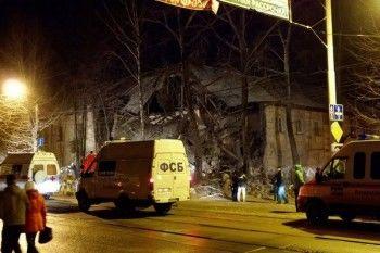 Взрыв обрушил два подъезда дома в Перми (ВИДЕО)