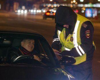 С 20 октября поменяются правила взаимодействия водителей и инспекторов ДПС
