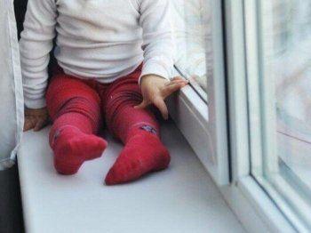 В Нижнем Тагиле ребёнок выпал из окна пятого этажа