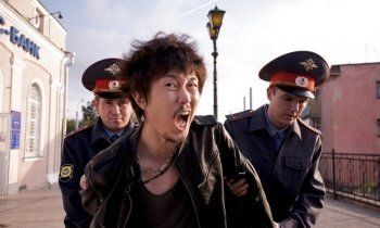 «Банда азиатов» поставила «на счётчик» тагильских гопников, надругавшихся над их автомобилем
