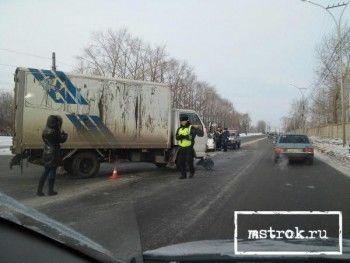 В Нижнем Тагиле грузовик врезался в легковушку (ФОТО)