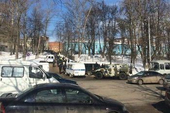 У Владимирского централа задержаны протестующие против избиения авторитета (ФОТО)