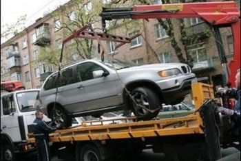 ЛДПР предлагает отменить взимание платы за эвакуацию автомобилей