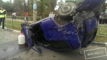 Опубликовано видео жуткого столкновения Volkswagen и Toyota в центре Нижнего Тагила