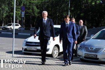 Евгений Куйвашев наградил Сергея Носова знаком отличия «За заслуги перед Свердловской областью» и выразил надежду на дальнейшее сотрудничество
