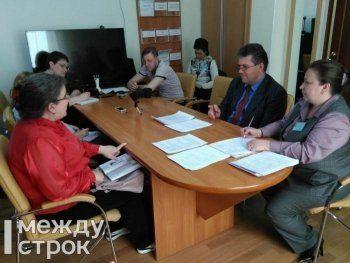 Свердловский министр соцполитики встретился с матерью десятерых детей из Нижнего Тагила, которая пожаловалась накануне на своё бедственное положение Евгению Куйвашеву