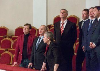 Реконструированный по поручению Путина Нижнетагильский драмтеатр может остаться без дорогостоящего оборудования и закрыться. «Ни разу не встречались со столь циничным расхищением госсредств»