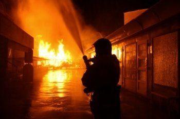 Пьяный житель Нижнего Тагила облил керосином магазин и поджёг