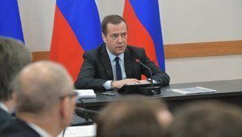 Медведев: Только 40% региональных трасс соответствуют эксплуатационным требованиям