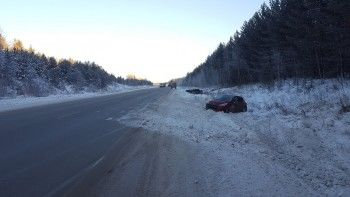 Под Невьянском на «трассе смерти» в одном месте в кювет улетели два автомобиля