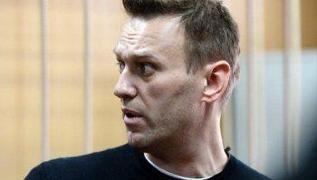 С Навального требуют взыскать один миллион рублей за митинг в День России
