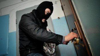 Краснодарские полицейские задержали в Нижнем Тагиле вора-рецидивиста, ограбившего спящую женщину