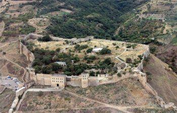 В Дербенте неизвестные расстреляли 12 посетителей смотровой площадки древней крепости